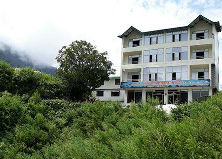 hotels near in pangot nainital